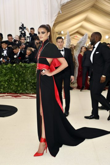 red-carpet-met-gala-3037-taylor-hill-superJumbo