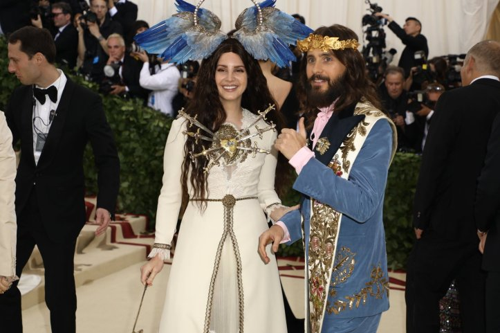 red-carpet-met-gala-3474-lana-del-rey-and-jared-leto-superJumbo.jpg