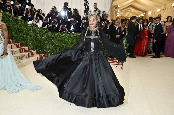 red-carpet-met-gala-4329-madonna-superJumbo.jpg