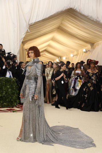 red-carpet-met-gala-4526-zendaya-superJumbo