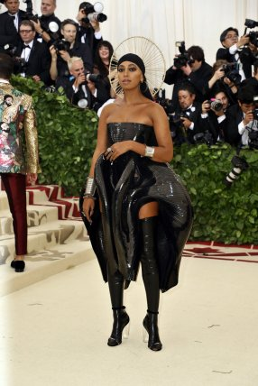 red-carpet-met-gala-4736-solange-knowles-superJumbo-v3